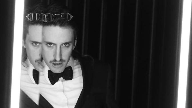 Listen: KIRIN J CALLINAN – 'THE TEACHER'